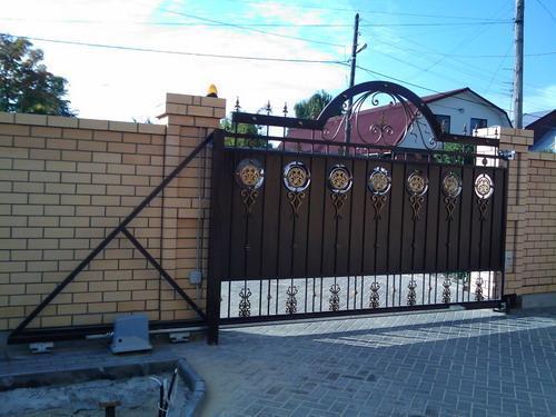 Ворота откатные с элементами ковки своими руками